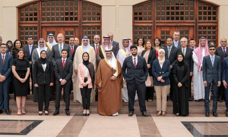 منح ولي عهد العهد الدولية في البحرين لدراسة البكالوريوس 2022م